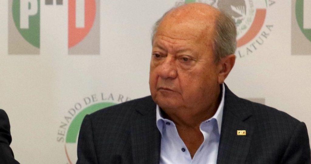 Renuncia Carlos Romero Deschamps al sindicato petrolero
