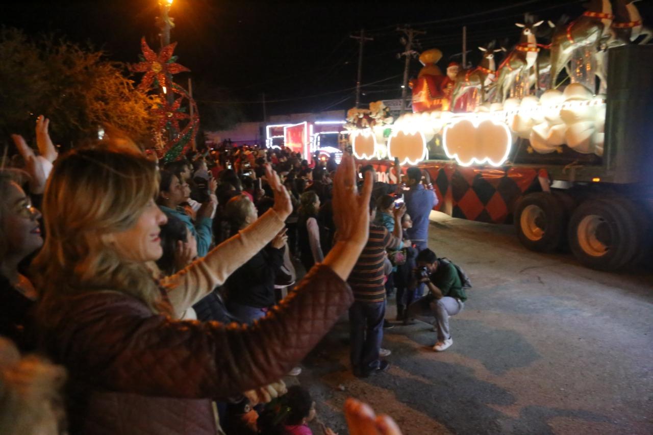 Invita Municipio de Reynosa a mágico Desfile Navideño