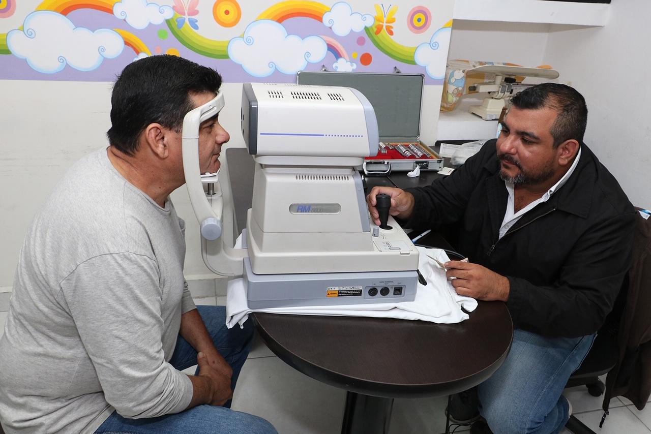 Más de 100 beneficiados con campaña de lentes a bajo costo del DIF Madero