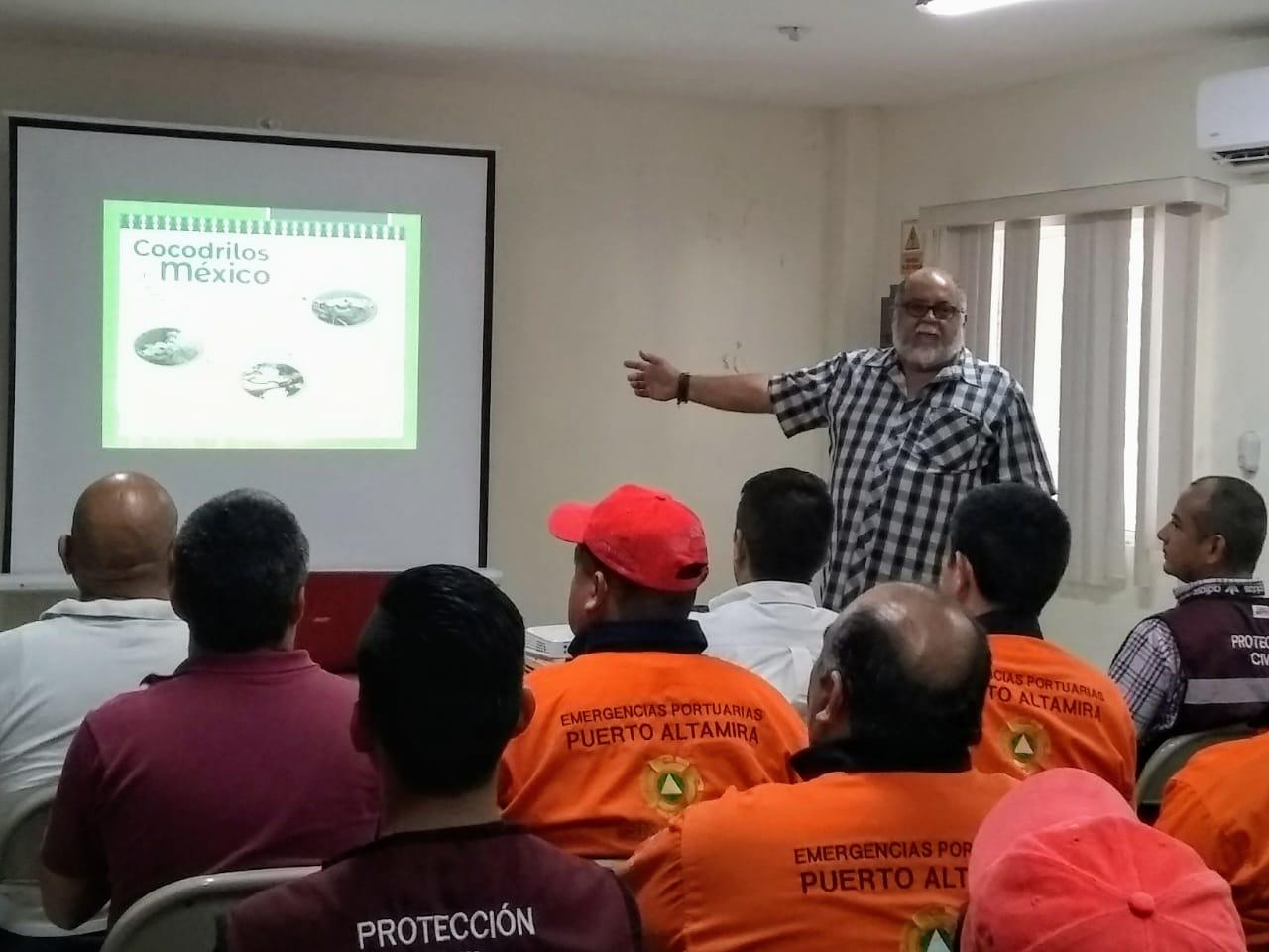Refuerza Protección Civil maderense, conocimientos sobre Manejo de Cocodrilos Moreletii