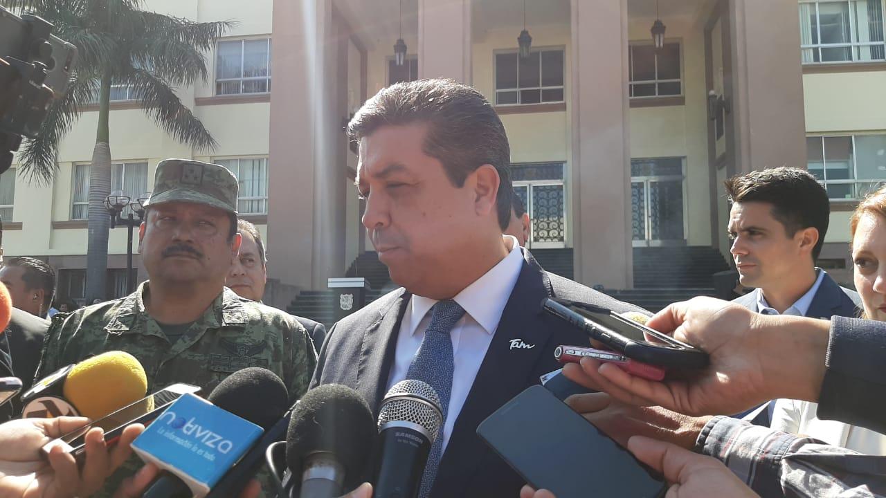 Pide Gobernador investigación a fondo contrabando de combustibles
