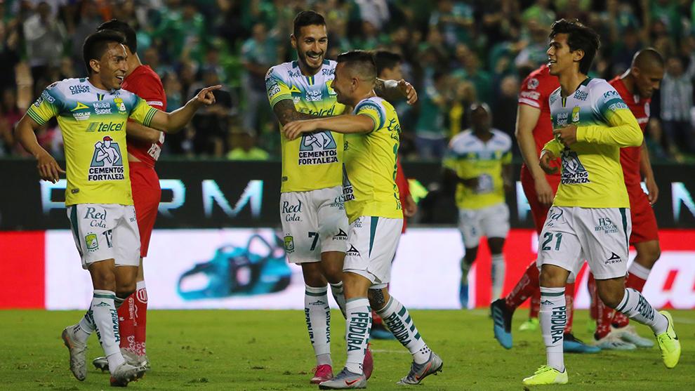 León golea 4-0 a Toluca y está en la Liguilla