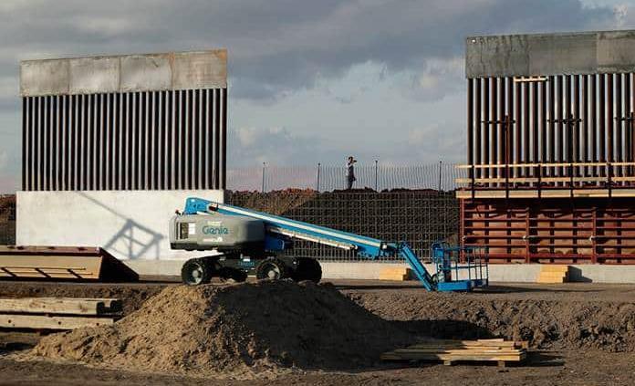 Grupo privado dice construir muro fronterizo en Texas