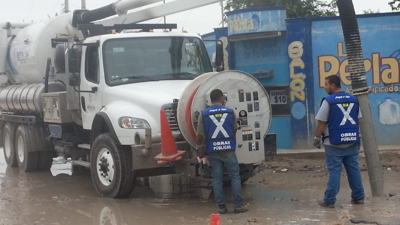 Aporta Gobierno de Reynosa soluciones al drenaje sanitario