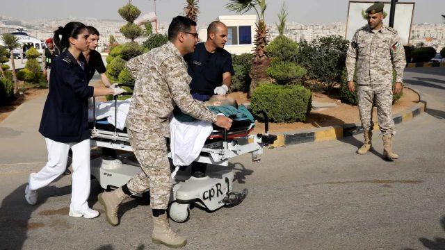 Tres turistas mexicanos son apuñalados en Jordania; una mujer está muy grave