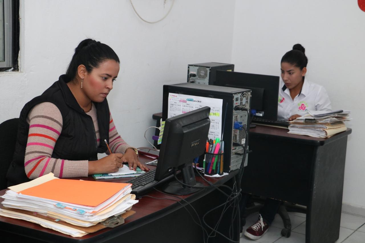 DIF Madero recepciona documentos de pareja igualitaria