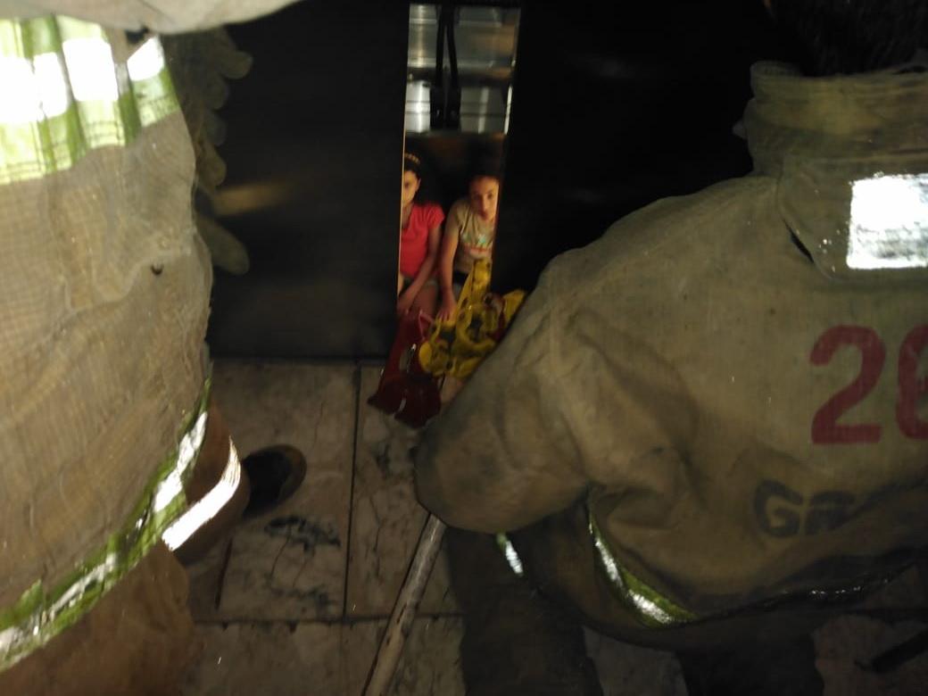 Supervisan elevadores por incidente en el Regatas Corona