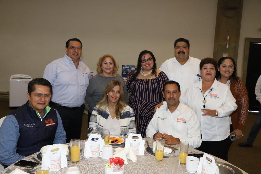 Acude Alcaldesa de Reynosa a convivencia de Secretarios del SNTE