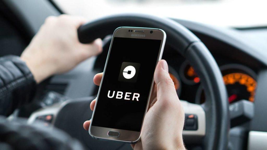 Caen acciones de Uber tras reconocer abusos sexuales en servicios en EUA