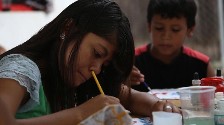 Estudiantes mexicanos no entienden lo que leen y son penúltimos en matemáticas