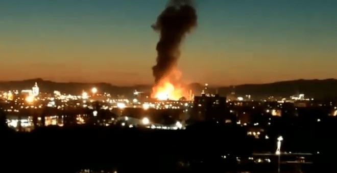 Se registra explosión en planta petroquímica en España
