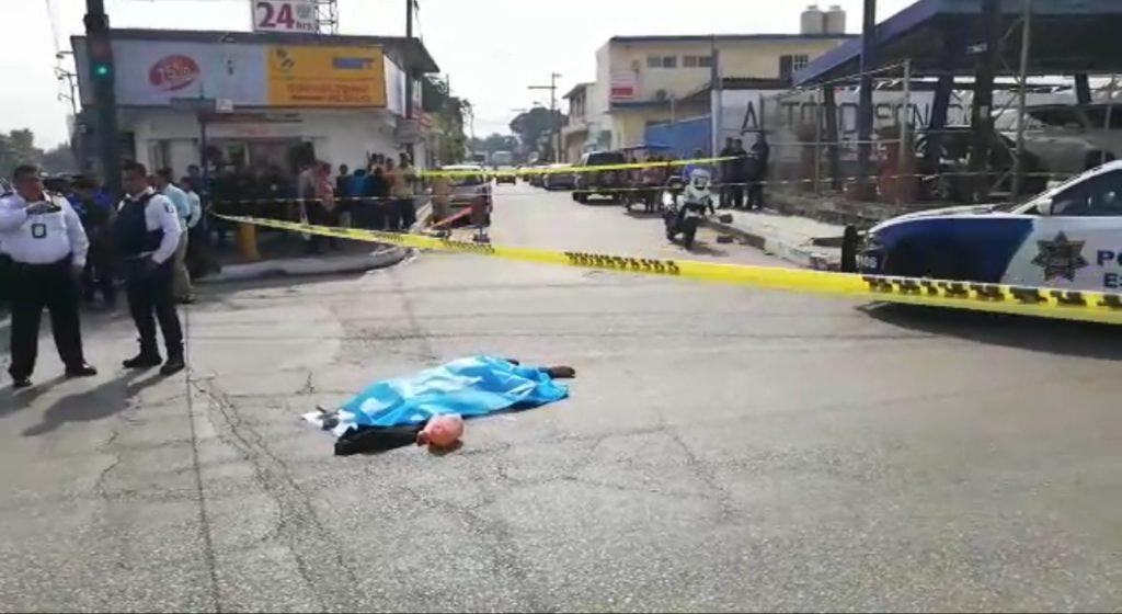 Mujer va por medicinas al IMSS y muere atropellada