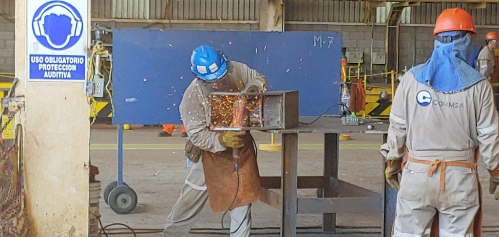 Emigran soldadores a otras ciudades a trabajar